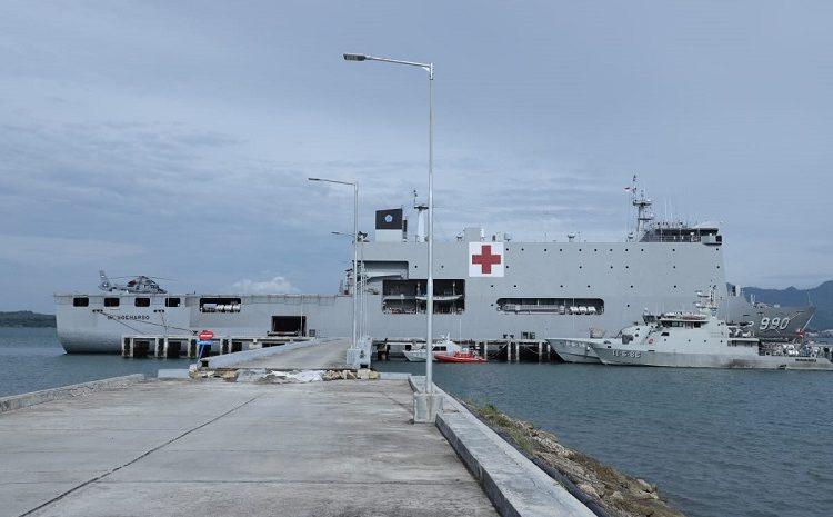 Rumah Sakit Apung TNI Tangani Pasien Korban GempaDi Sulawesi Barat