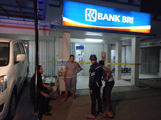 Pelaku Perampokan Mesin ATM BRI Unit Kukun Tangerang Merdeka Pakai Senjata Api