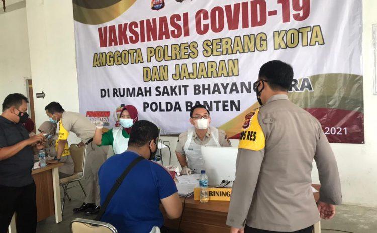 Ribuan Personel Polda Banten Telah Jalani Vaksinasi Covid-19
