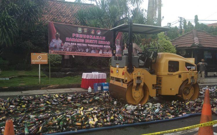 Sambut Ramadhan 1422 H Polres Metro Tangerang Kota Musnahkan Belasan Ribu Miras Sitaan