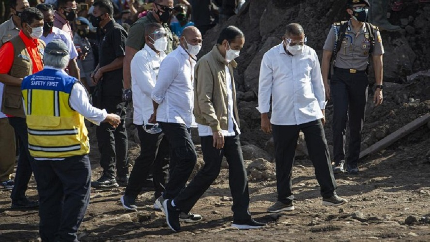 Presiden Joko Widodo Kunjungi Korban Bencana Banjir Di NTT
