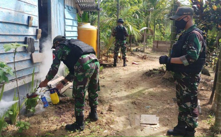 Cegah Wabah Penyakit Malaria,TNILaksanakanFoggingDi Kampung Yowong Papua