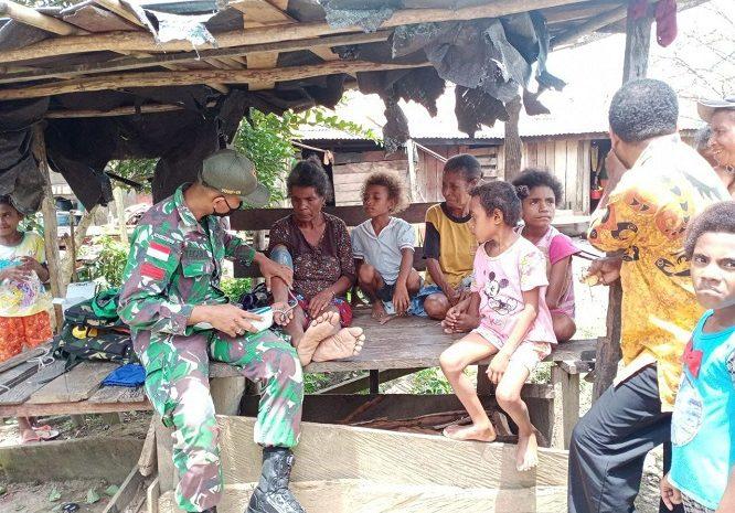 TNI Kunjungi Tokoh Masyarakat Dan Berikan Layanan Kesehatan Di Papua