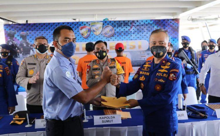 Kapolda Sumut dan Dir Polair Korpolairud Baharkam Polri Pimpin Press Rilis Penangkapan 2 Kapal Ikan Asing