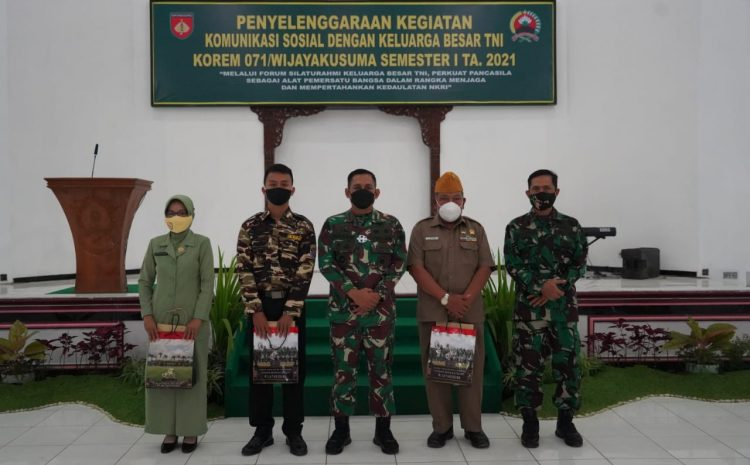 Danrem 071 : TNI AD dan Keluarga Besar TNI Harus Ada Hubungan Yang Erat Demi Persatuan dan Kesatuan Bangsa