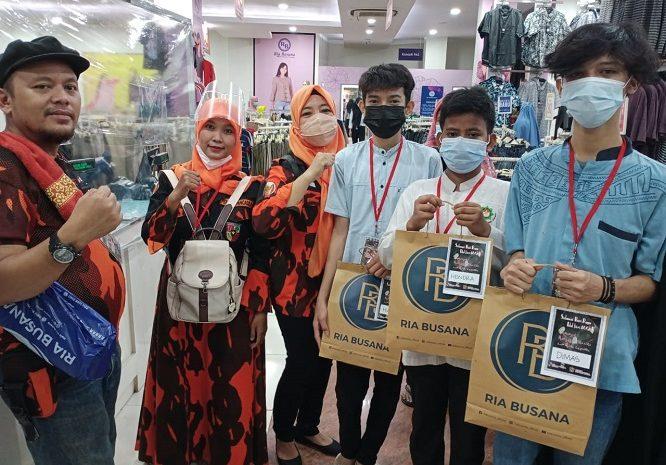Pemuda Pancasila Ciledug Ajak Yatim Piatu Untuk Belanja Baju