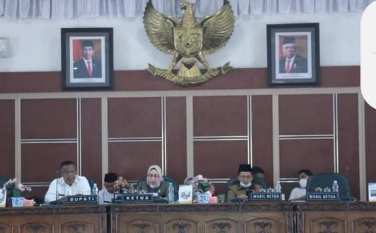 PJ Bupati Labuhanbatu Hadiri Rapat Paripurna DPRD Tentang LKPJ Tahun 2020