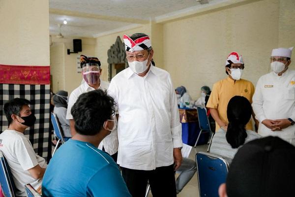 Pemkot Gelar Vaksinasi Di Pura Parahyangan Jagat Guru Tangsel