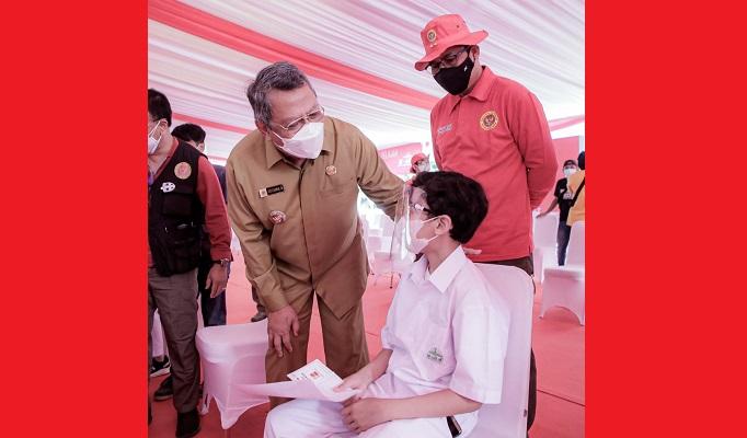 Hadiri Vaksinasi Siswa Al-Azhar, Benyamin : 228 Ribu Warga Tangsel Telah Divaksin