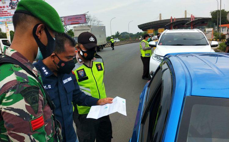 Tekan Covid-19, Satgas PPKM Darurat Banten Periksa Ketat Setiap Kendaraan di Pintu Tol