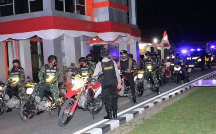 Geler Patroli Gabungan Polres Dan Dandim 0209/LB Berikan Bantuan Sembako Kepada Masyarakat