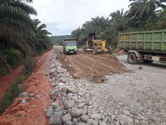 Trik Curang PT. Rimbo Peraduan, Material Proyek Teluk Tapang Dipertanyakan Dewan Dan LSM