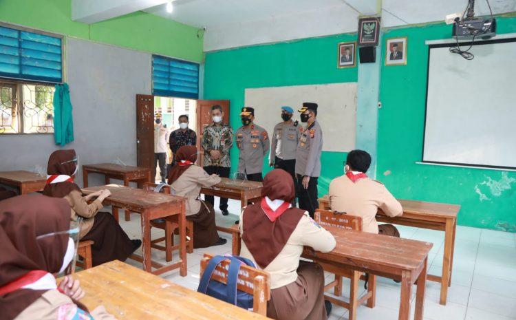 Wakapolda Banten Dampingi Wapres Tinjau PTM Di SMAN 19 Tangerang